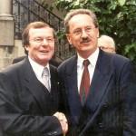 1996 bis 2011 stellvertretender Vorsitzender des Bayerischen Städtetags, Vize des Landshuter OB Dick Deimer.
